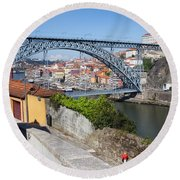 Ponte Luiz I Between Porto And Gaia In Portugal Round Beach Towel