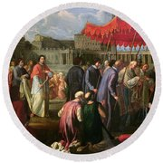 Pope Clement Xi In A Procession In St. Peter's Square In Rome Round Beach Towel