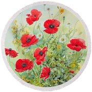 Poppies And Mayweed Round Beach Towel
