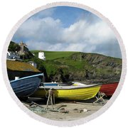 Port Isaac Boats Round Beach Towel