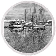 Port Orchard Marina Round Beach Towel