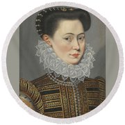Portrait Of A Lady Head And Shoulders In A Lace Ruff Round Beach Towel
