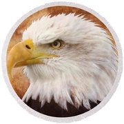 Portrait Of A Bald Eagle Round Beach Towel