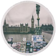 Postcards From Westminster Round Beach Towel