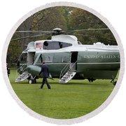 President Obama Walking Toward Marine One Round Beach Towel