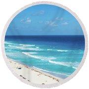 Pristine Beach In Cancun Round Beach Towel