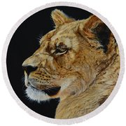 Profile Of A Lioness Round Beach Towel