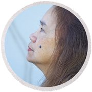 Profile Portrait Of A Lovely Filipina With A Mole On Her Cheek   Round Beach Towel