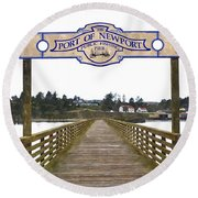 Public Fishing Pier Round Beach Towel
