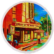 Pumperniks And The Snowdon Theatre Round Beach Towel