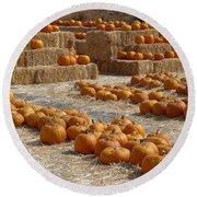 Pumpkins On Bales Round Beach Towel