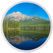 Pyramid Island In The Pyramid Lake Round Beach Towel
