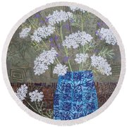 Queen Anne's Lace In Blue Vase Round Beach Towel