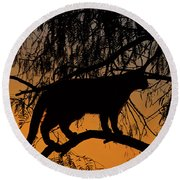 Queen Of The Tree Round Beach Towel