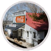 Rabbit Hash Store-front View Angle Round Beach Towel