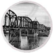 Railroad Bridge -bw Round Beach Towel