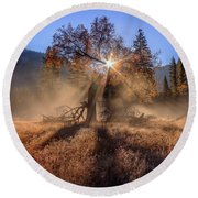 Rainbow In Yosemite Valley Ice Fog Round Beach Towel