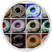 Randy's Donuts - Dozen Assorted Round Beach Towel