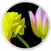 Ranunculus And Tulip Round Beach Towel