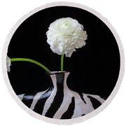 Ranunculus In Black And Whie Vase Round Beach Towel
