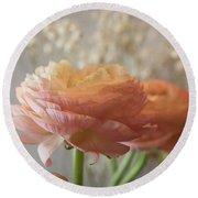 Ranunculus - 6315 Round Beach Towel