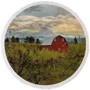 Red Barn At Pear Orchard Round Beach Towel