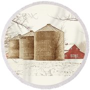 Red Barn In Snow Round Beach Towel