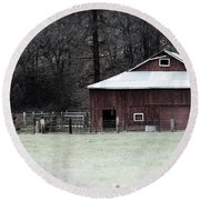 Red Barn On The Drive Round Beach Towel