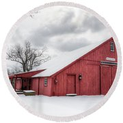 Red Barn On Wintry Day Round Beach Towel