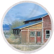 Red Barn, Route 50, Nevada Round Beach Towel