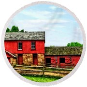 Red Barn With Fence Round Beach Towel