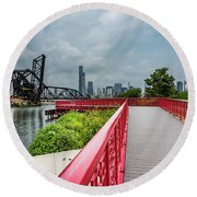 Red Bridge To Chicago Round Beach Towel
