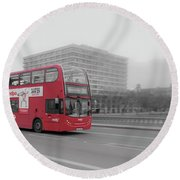 Red Buss In London Round Beach Towel