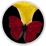 Red Butterfly And Calla Lily Round Beach Towel