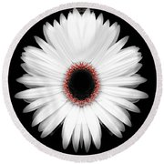Red Center Daisy Round Beach Towel