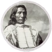 Red Cloud Chief Round Beach Towel