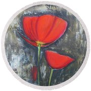 Red Couple  Round Beach Towel