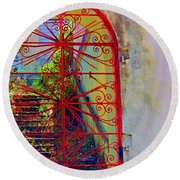 Red Gate Round Beach Towel