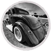 Red Hot Rod In Black And White Round Beach Towel