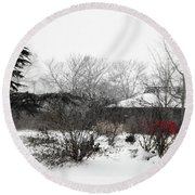 Red Leaves On White Snow Round Beach Towel