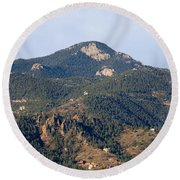 Red Mountain In The Foothills Of Pikes Peak Colorado Round Beach Towel