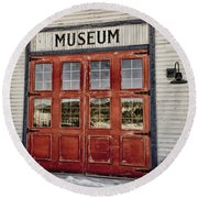 Red Museum Door Round Beach Towel