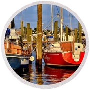 Red Or Blue Round Beach Towel