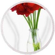 Red Ranunculus Flowers Round Beach Towel