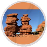 Red Rock Formation  Round Beach Towel