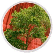 Red Rock Green Tree Round Beach Towel