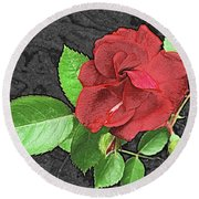 Red Rose For My Lady Round Beach Towel