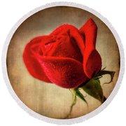 Red Rose Romance Round Beach Towel