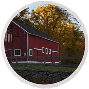 Red Rustic Barn Round Beach Towel