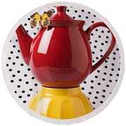 Red Teapot With Butterfly Round Beach Towel